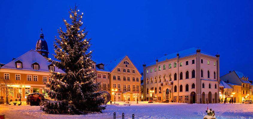 Weihnachtlicher Marktplatz in Waren (Müritz)